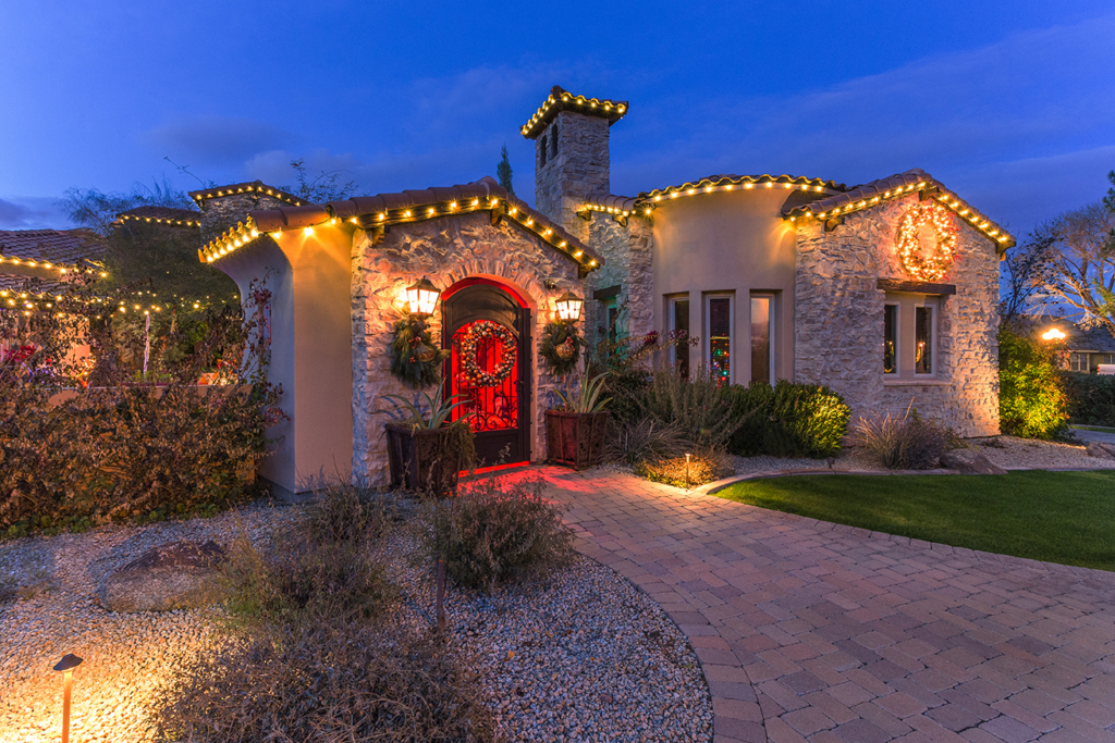 Scottsdale, AZ – Residential Holiday Lighting